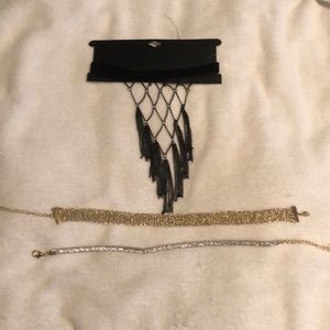 Set of 3 choker necklaces